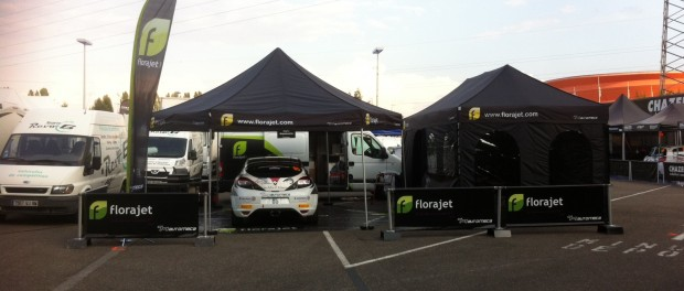 La structure Automeca et la Mégane RS N4 #85. Le bureau de Cyril Laborderie pour cette semaine de course. Crédit : Cyril Laborderie