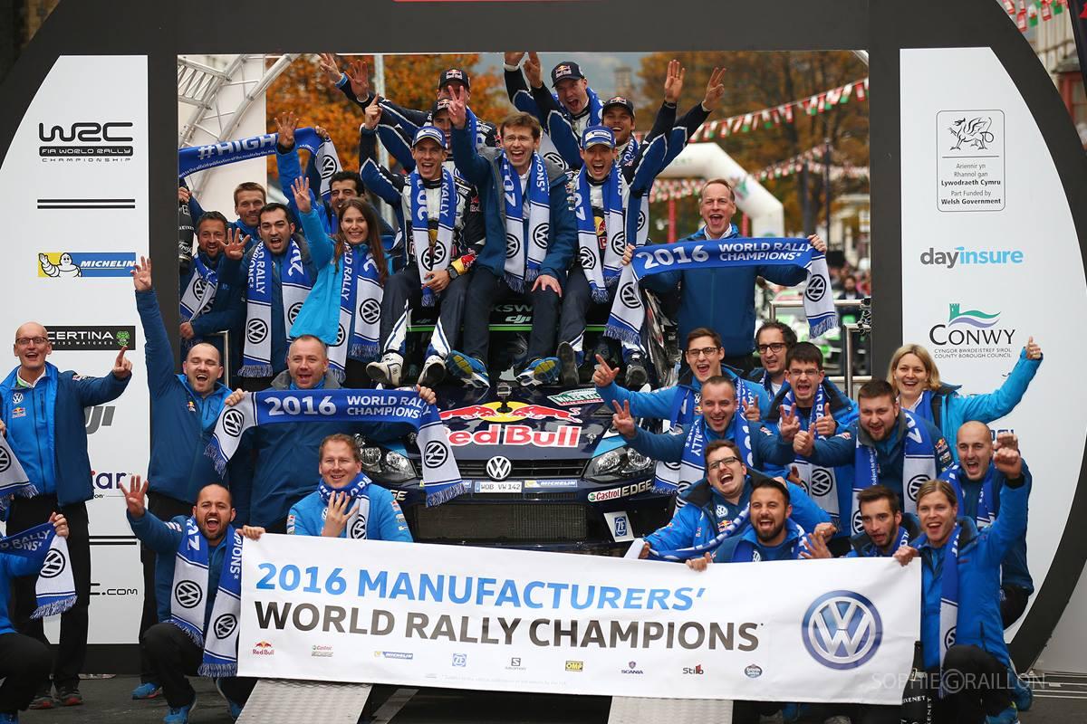 L'équipe Volkswagen lors de leur 4ème titre de Champion. (c) : Volkswagen