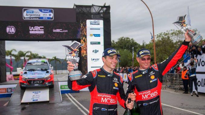 John Kennard officiellement retraité . Vous pourrez toujours croiser John dans les paddocks du WRC il ne sera pas bien loin de son poulain Hayden