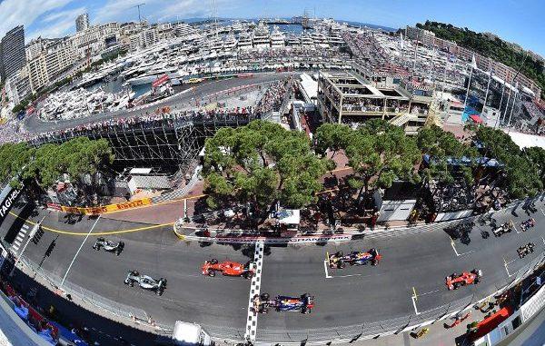 Circuit de Monaco La ligne droite des stands qui n'est pas si droite que ça…