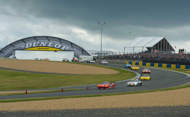 le circuit des 24 heures du mans pilote de course. Black Bedroom Furniture Sets. Home Design Ideas