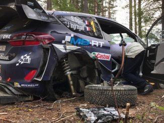 Sébastien Ogier à la faute dans l'ES4 (Finlande 2017)