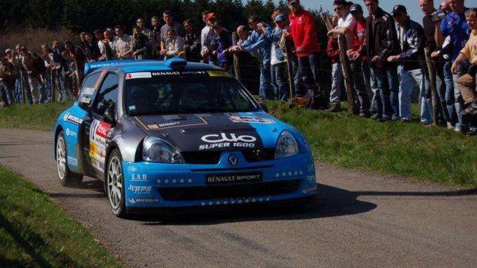 Yoann Bonato, ici en 2006 avec le Clio S1600. Photo (c) : DR. Yoann Bonato Champion de France !