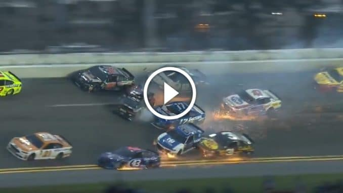 NASCAR 2018 : crash au Daytona 500