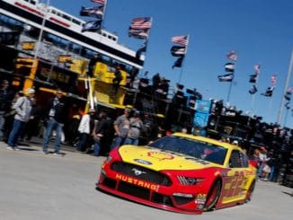 Joe Logano en pole à Martinsville